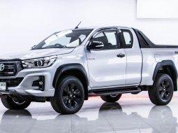 2019 Toyota Hilux Revo Rocco รถกระบะ