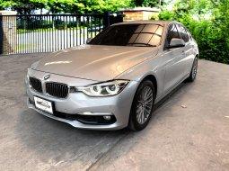 BMW 320d Luxury 2015  รถมือเดียว