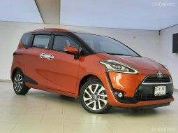 ขายรถมือสอง Toyota Sienta 1.5 V รถเก๋ง 5 ประตู