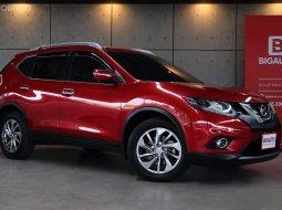 2015 Nissan X-Trail 2.5V 4WD MODEL TOP สุด FULL OPTION มาพร้อมหลังคาแก้ว PANORAMIC มีจอ LCD NAVIGATOR ครับ