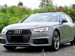 + Audi A4 Avant 45 TFSI Quattro S-Line Black Edition ปี 2019 Fulloption