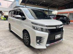 2017 Toyota Voxy 2.0 AZR60G รถตู้/MPV