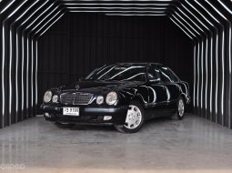 Benz E200K Elegance W210 สภาพสวยมาก มือเดียวเจ้าของเดียว ไมล์น้อย ๆ รถไม่เคยมีอุบัติเหตุ
