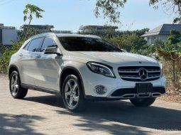 2019 Mercedes-Benz GLA200 Urban Facelift วารันตีศูนย์เหลือถึงปี 2022