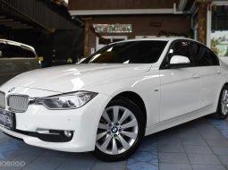 2012 BMW 320d Modern  ออกแบบมาได้อย่างลงตัว โดยเน้นที่ความทันสมัย หรูหรา
