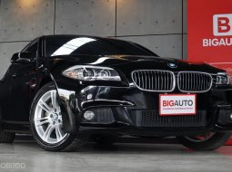 2013 BMW 525d 2.0 F10 525 D M SPORT PACKAGE แท้ เครื่องยนต์ ดีเซลมาพร้อมกับหลังคา Sunroof ตรับ