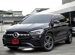 Mercedes-Benz GLA200 AMG 2021