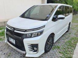 2017 Toyota Voxy 2.0 ZS MPV