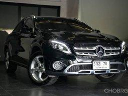 2019 Mercedes-Benz GLA200 รถศูนย์ ไมล์น้อย 9,5xx km. วารันตีเหลือ