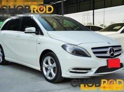 ราคา 739,000 บาท  BENZ B200 BlueEFFICIENCY 1.6 W246 AT 2013 รถออกศูนย์ เบนซ์ ตลิ่งชัน รับประกันเลขไมล์ 102,914 กม.
