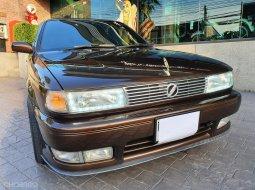 1994 Nissan รถเก๋ง 4 ประตู