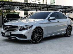 2019 Mercedes-Benz C220 2.0 d Exclusive รถเก๋ง 4 ประตู