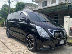 ขายรถ Hyundai H-1 2.5 Maesto Deluxe ปี2010 รถตู้/VAN