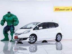 2M-161  Honda JAZZ 1.3 Hybrid รถเก๋ง 5 ประตู ปี 2013