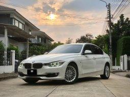 BMW 320i luxury ปีจดทะเบียน 2014