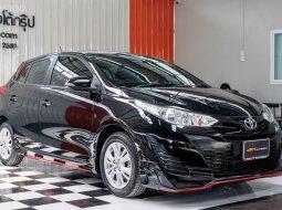 🔥 สีดำสุดเท่  พร้อมลุย ราคาสบายกระเป๋า 🔥 Toyota YARIS 1.2 E ปี2018 รถเก๋ง 5 ประตู