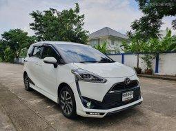 2016 Toyota Sienta 1.5 V รถตู้/MPV ฟรีดาวน์