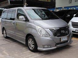 เรามีรุ่นนี้ให้เลือกถึง 5 คัน  Hyundai H-1 2.5 Deluxe ปี2015 รถตู้/VAN