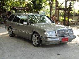 Mercedes-Benz 230TE 2.3 VAN 5ประตู
