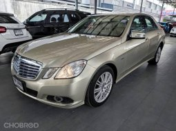 2010 Mercedes-Benz E200 CGI 1.8 Avantgarde รถเก๋ง 4 ประตู