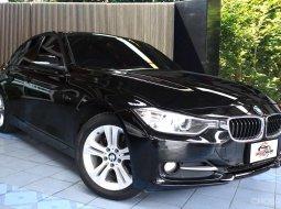 BMW 320d Sport ดีเซล Twin Power Turbo  มือเดียวออกห้าง ขับสนุกแบบสปอร์ต มีประวัติ Service อย่างต่อเนื่อง