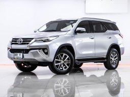 1S-155 TOYOTA FORTUNER 2.8 V 2WD เกียร์ AT ปี 2015