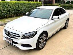 จองให้ทัน Benz C350e2.0cc Executive สีขาว ปี2017 มือเดียววิ่งน้อยสวยจัด