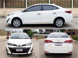 2017 Toyota YARIS 1.2 High รถเก๋ง 4 ประตู