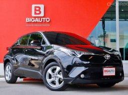 2019 Toyota C-HR 1.8 MID รุ่น TOP สุดของเบนซิน คันนี้เป็นรถมือแรกจากป้ายแดง