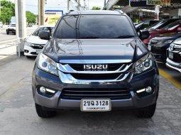 2017 Isuzu MU-X 3.0 Ultimate SUV  มีรถรุ่นนี้ให้เลือกถึง 4คัน