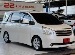 รถบ้าน รถMPV รถครอบครัว รถเก๋ง7ที่นั่ง รถเก๋ง รถยนต์มือสอง Toyota Noah 7 ที่นั่ง สภาพพร้อมใช้