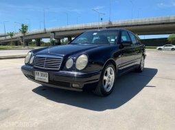 1997 Mercedes-Benz E230 2.3 Elegance รถเก๋ง 4 ประตู ออกรถง่าย