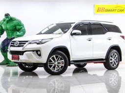 1T-121 TOYOTA FORTUNER 2.4 V 2 WD เกียร์ AT ปี 2017
