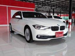 2016 BMW 320d 2.0 Luxury รถเก๋ง 4 ประตู