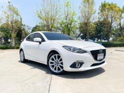 2016 Mazda 3 2.0 C A/T รถเก๋ง 5 ประตู