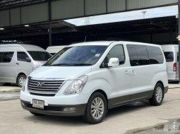 2012 HYUNDAI GRAND STAREX, 2.5 VIP โฉม ปี10-18 สีขาวรถสวยพร้อมใช้งาน