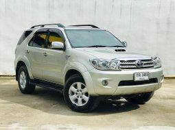 2009 Toyota Fortuner 3.0 V SUV ออกรถง่าย