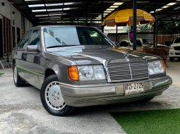 1990 Mercedes-Benz 300E 3.0 Classic รถเก๋ง 4 ประตู