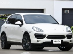 Porsche Cayenne-S Hybrid หลังคาแก้ว โช๊คไฟฟ้า ช่วงล่างถุงลม ออฟชั่นครบ
