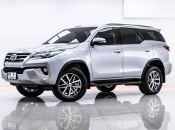 1T-90 TOYOTA FORTUNER 2.8 V เกียร์ AT ปี 2016