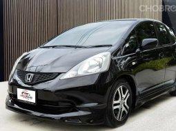 Honda Jazz GE 1.5S i-VTEC โฉมยอดนิยม  สภาพรถสวยพร้อมใช้งาน ราคาสบายกระเป๋า