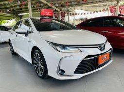 2019 Toyota Corolla Altis 1.8 Hybrid High รถเก๋ง 4 ประตู รถสภาพดี มีประกัน
