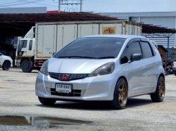 ขายรถมือสอง Honda Jazz 1.5 ตัวท็อปสุด SVLimited  AT ปี 2013