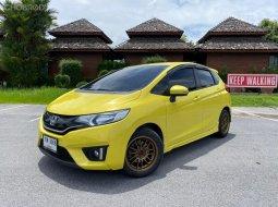 2015 Honda JAZZ 1.5 SV i-VTEC A/T รถเก๋ง 5 ประตู