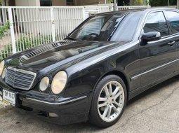 2000 Mercedes-Benz E240 2.4 รถเก๋ง 4 ประตู