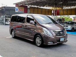 "2014 Hyundai H1 2.5 Executive ""  เครื่อง A2 เจ้าของเดิมใช้รถรักษา สะอาดทั้งภายนอกและภายใน เครื่องยนต์เดิม"