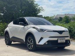 2021 Toyota C-HR 1.8 HV Hi (ตัวท็อป)   ออกศูนย์มา 8 เดือน เท่านั้น   แถมประกันชั้น 1 และฟิล์มเซรามิก CTX ProBlack