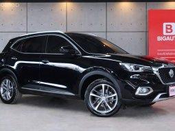 2020 MG HS 1.5 X รุ่น TOP สุดในรุ่น มาพร้อมเครื่องยนต์เบนซินและอุปกรณ์มาตรฐานของตัวรถครับ P5949