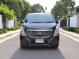 2017 Hyundai H-1 2.5 Deluxe รถตู้/VAN มีรุ่นนี้ให้เลือกถึง 3 คัน ไมล์ 5x,xxx km.