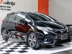 🔥ฟรีทุกค่าดำเนินการ🔥  Honda JAZZ 1.5 RS i-VTEC ปี2019 รถเก๋ง 5 ประตู